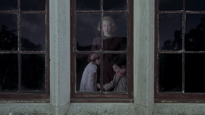 review film the others 2001 grace anne nicholas