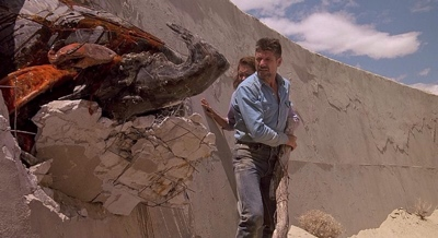 review film tremors 1990