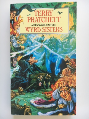 book review wyrd sisters terry pratchett de plaagzusters