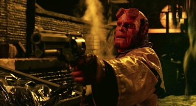 review film hellboy 2004