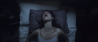 review film starry eyes 2014